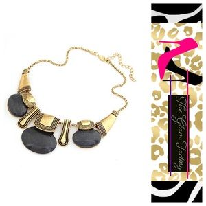 ✨ Black Three Stone Statement Necklace💕
